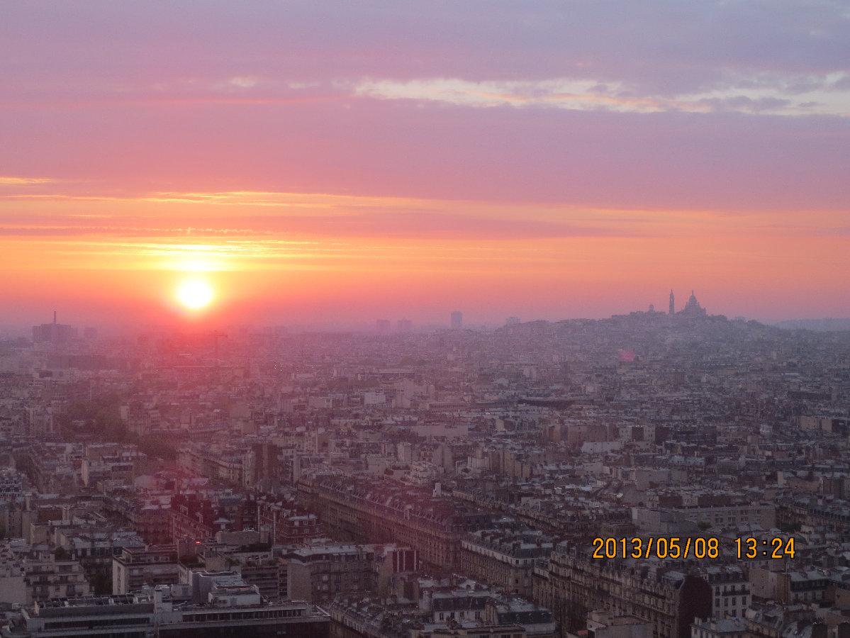 パリの日の出モンマルトル